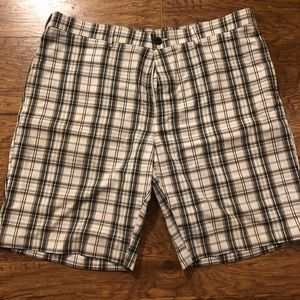 Men's shorts, Haggar 26, Black and White